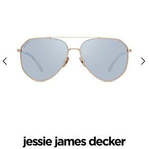 Jessie James Decker + dash Sunglasses w/ case